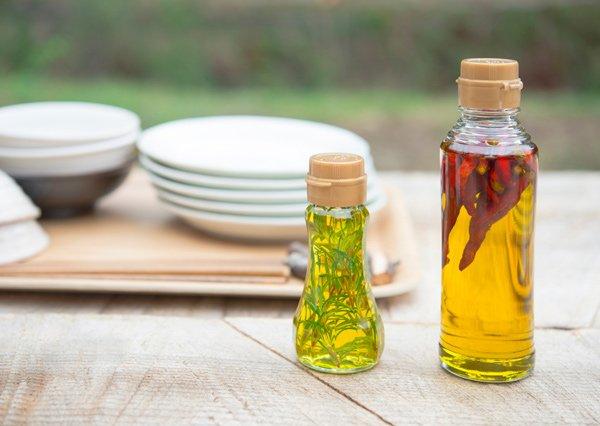 Come-fare-olio-di-oliva-aromatizzato